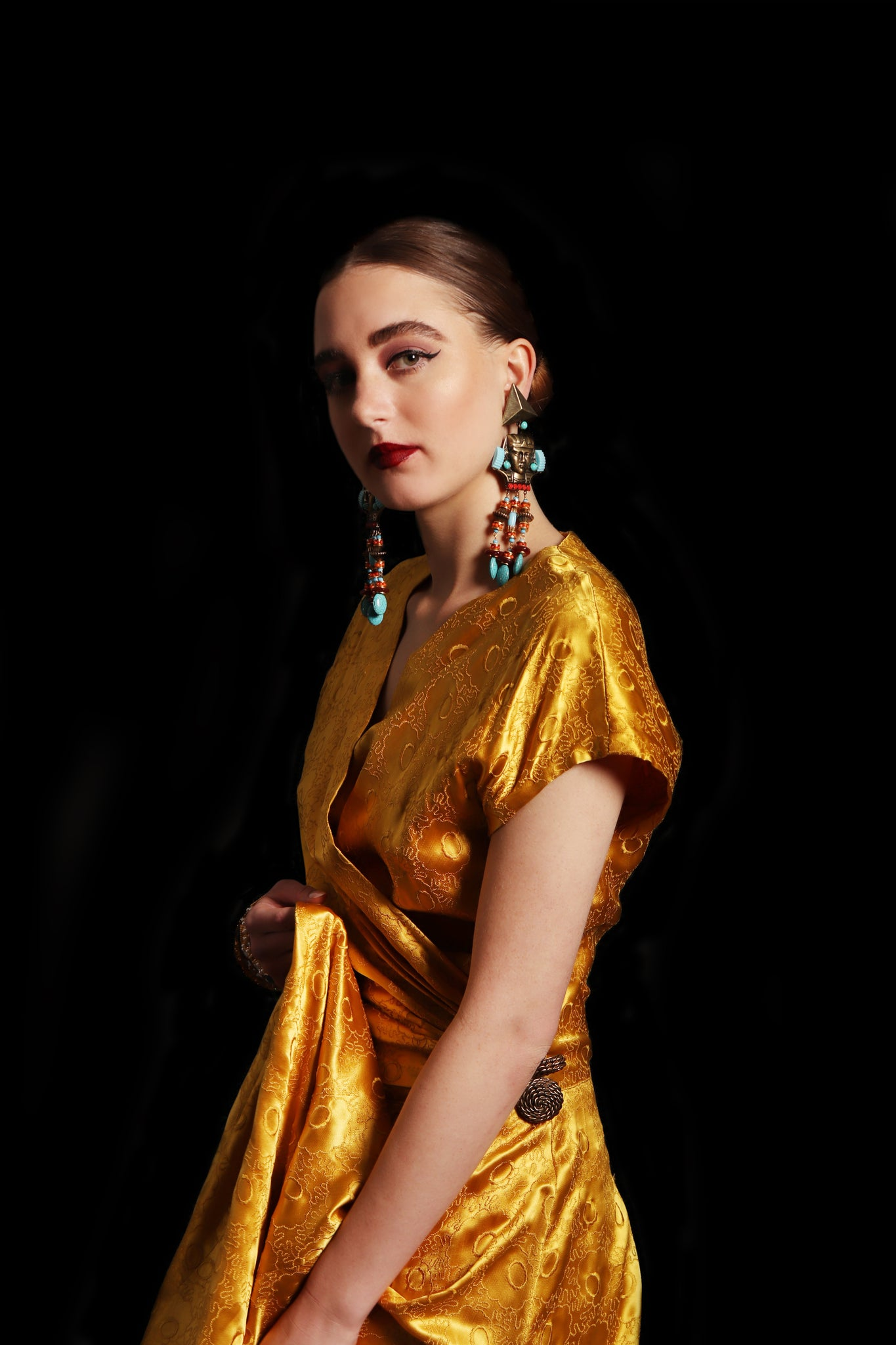 Recess Los Angeles Vintage Designer Consignment Womens Fashion Power Pieces Gold Luminous Vacation 1940s Silk Opium Gown