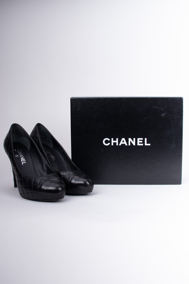 Chanel Logo CC Quilted Lambskin Leather Heels Pumps