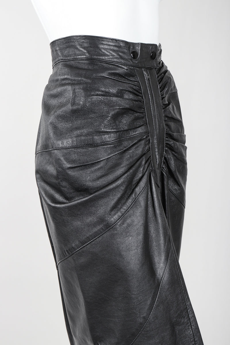 Recess Vintage Dero Enterprises Black Leather Skirt Waist Detail On Mannequin