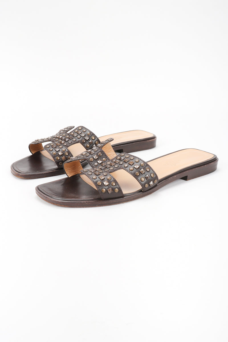 Recess Designer Consignment Vintage Hermes Studded Leather Oran H Slide Sandals Los Angeles Resale