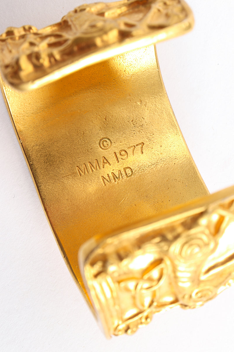 Vintage Metropolitan Museum of Art 1977 NMD Gold Xolo Dog Cuff Bracelet Signature Stamp at Recess