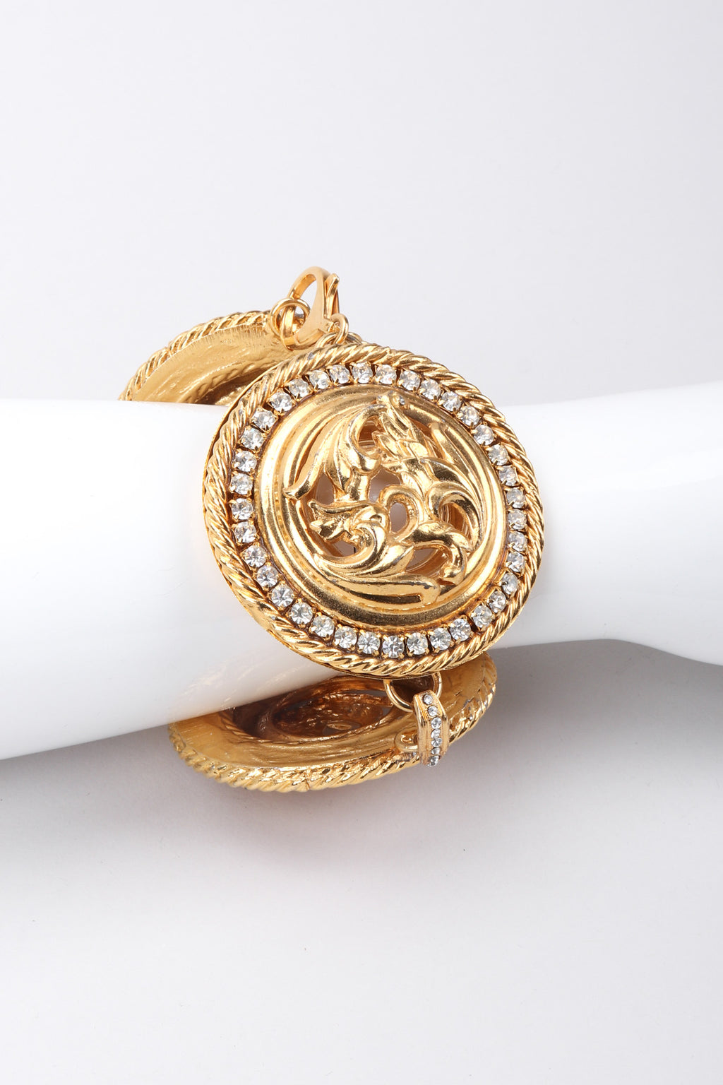 Recess Los Angeles Vintage Vintage Baroque Style Gold Bracelet Round Rhinestone Lobster Clasp