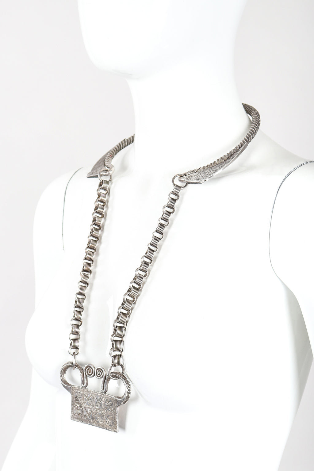 Recess Designer Consignment Vintage Alexis Kirk Unsigned Silver Pewter Egyptian Revival Collar Necklace Los Angeles Resale