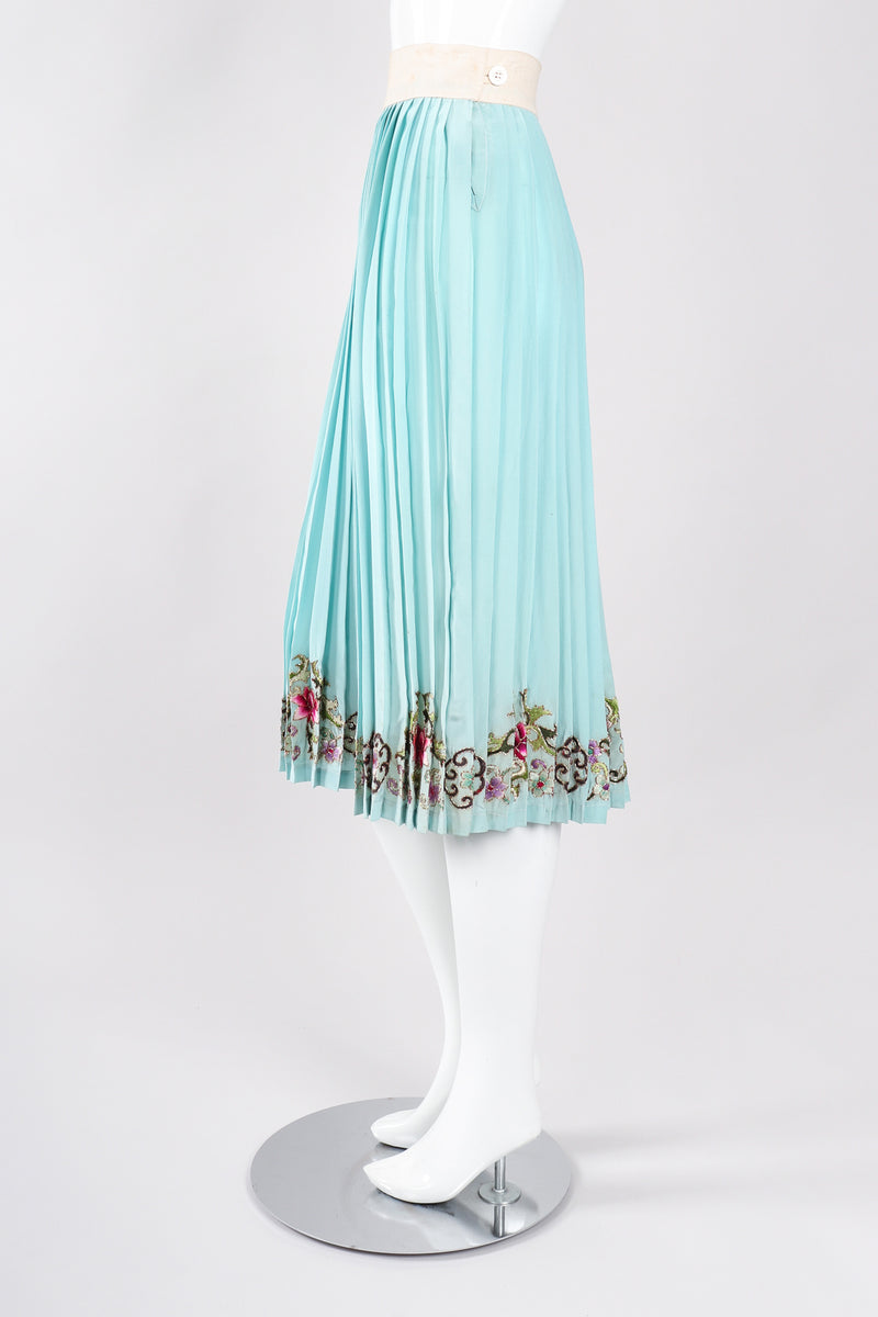 Recess Los Angeles Designer Consignment Vintage 1940s Chinese Metal Couching Embroidered Pleated Skirt