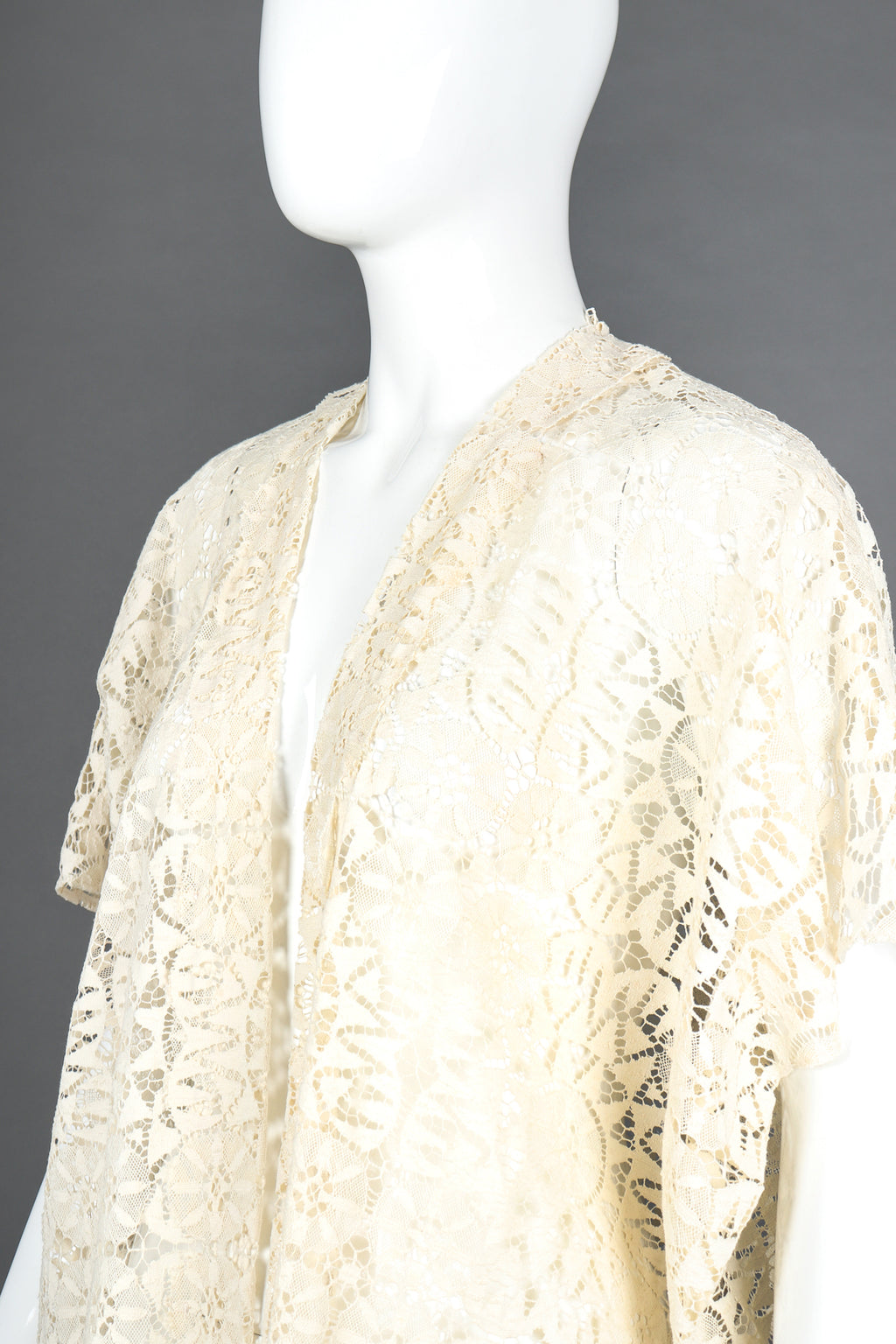 Recess Designer Consignment Vintage Sheer Bobbin Lace KImono Robe Duster Jacket Bridal Wedding Honeymoon Los Angeles Resale
