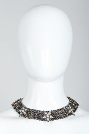 Vintage Unsigned Starry Curb Chain Collar Necklace on Mannequin, Front