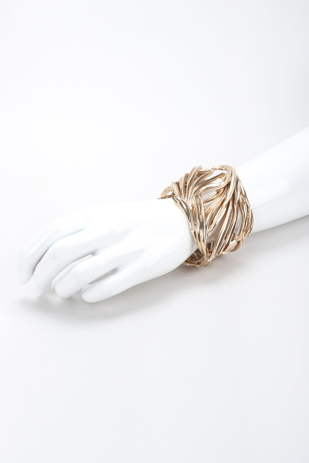 Recess Designer Consignment Vintage Oscar de la Renta Gold Majesty Palm Cuff Bracelet Los Angeles Resale