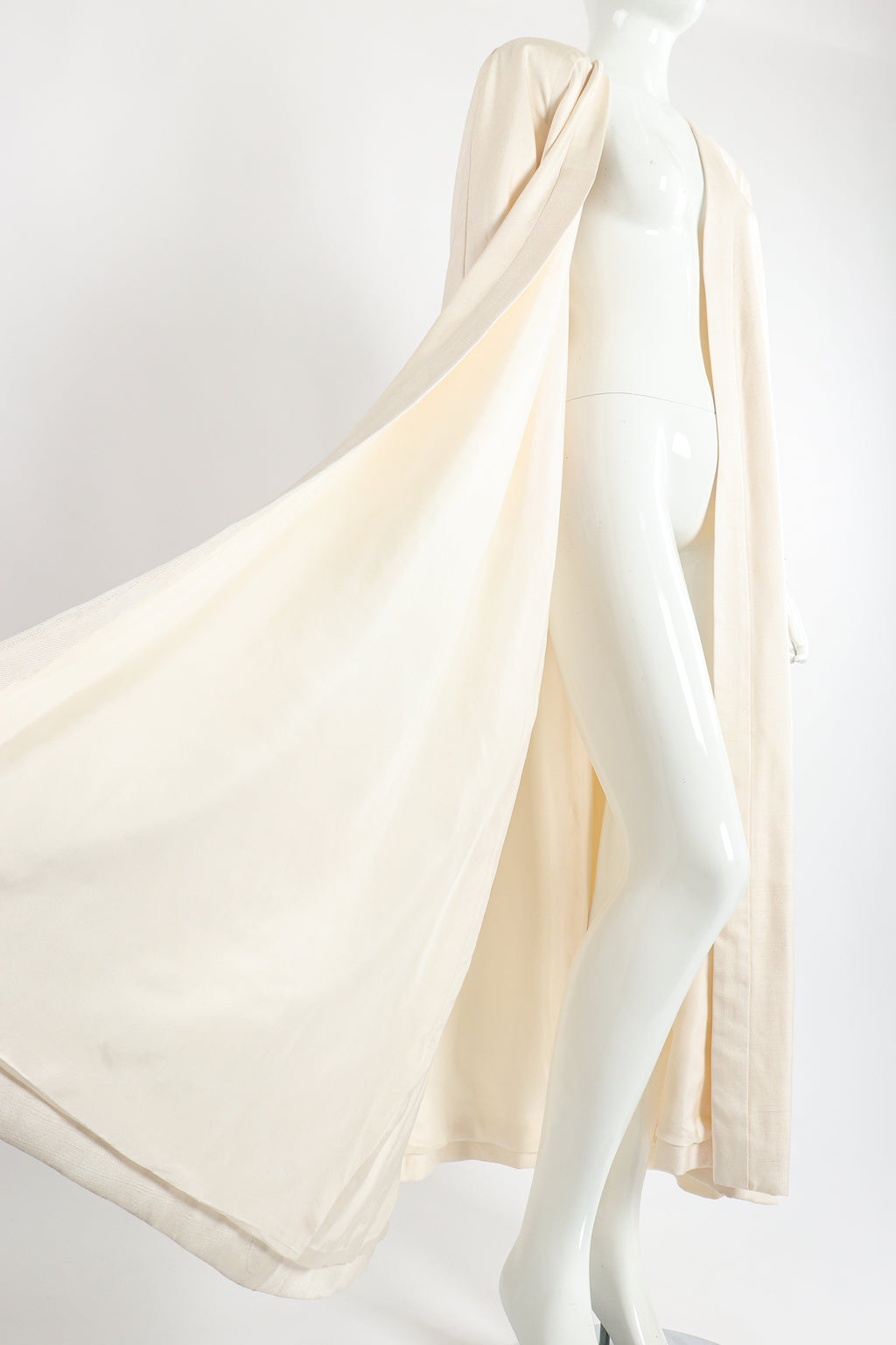 Vintage Peggy Jennings Saks Fifth Ave Bridal Wedding Silk Opera Coat on Mannequin Sweep at Recess