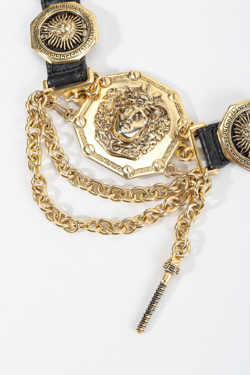 Vintage Streets Ahead Medusa Leather Chain Belt detail