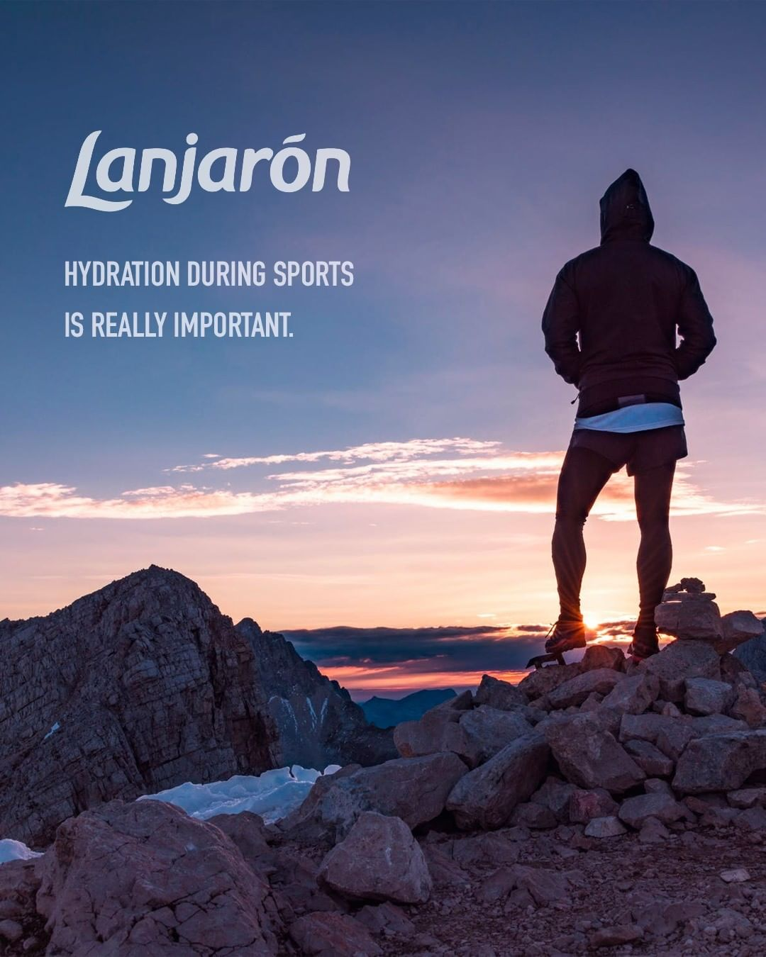If you don't hydrate while exercising, your performance will decline and you will feel discomfort. The symptoms of dehydration can be felt when the amount of water you lose is equal to one percent of your body weight.