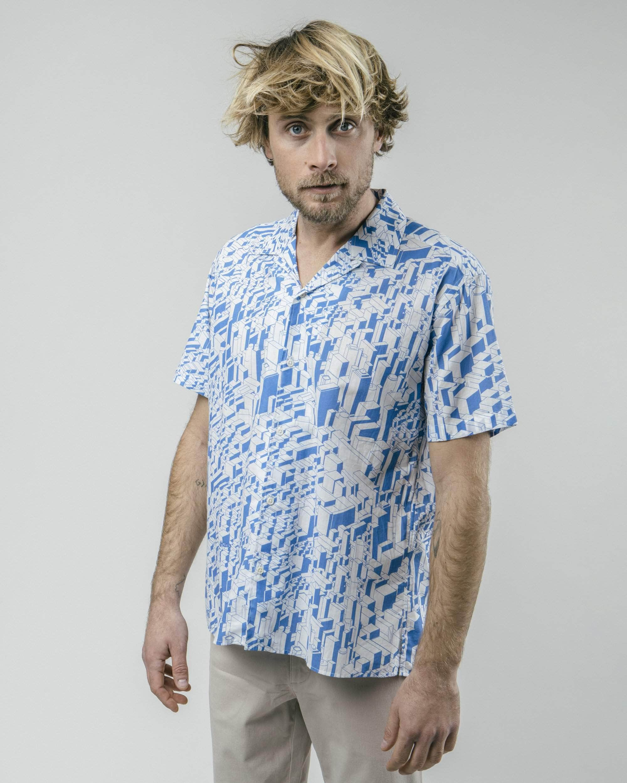 Brava Fabrics - Aloha Shirt - Hawaii Shirt for Men - 100% Organic Cotton - Model Urban District