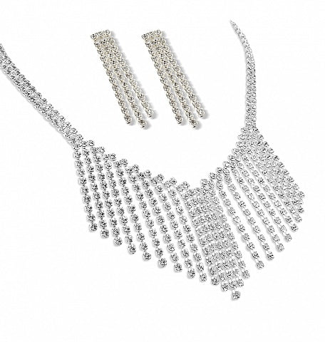 A Stunning V Shaped Waterfall Necklace Set