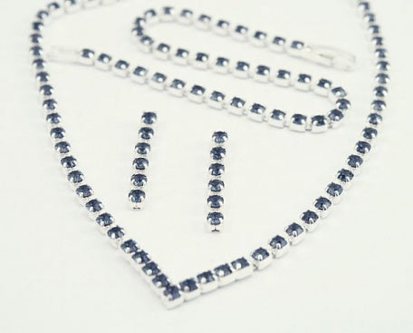 Montana Crystal 'V' Jewellery Set