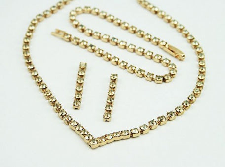 Gold Crystal 'V' Jewellery Set
