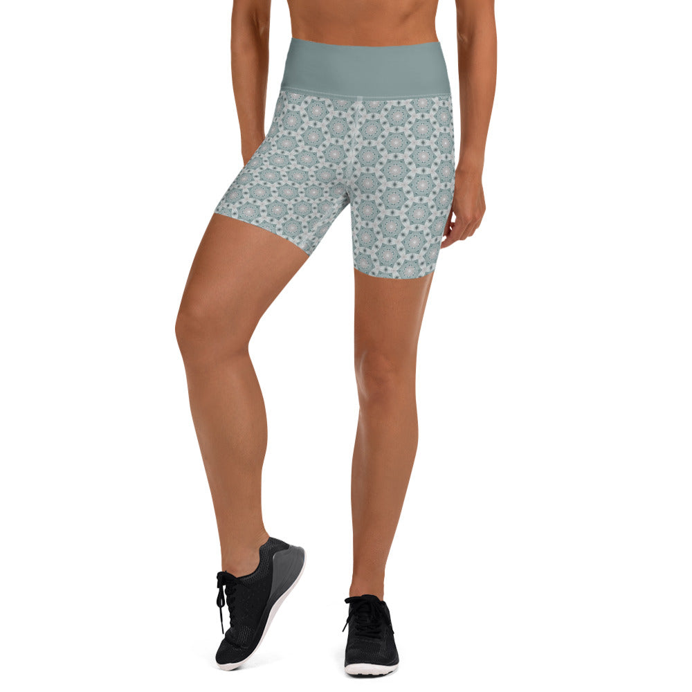 """Shape Array"" Pattern Yoga Shorts"
