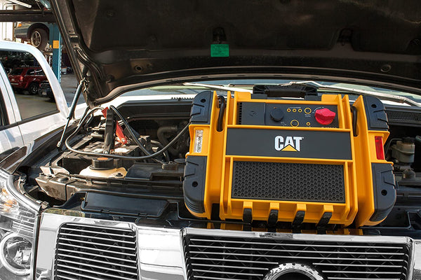 CAT CJ3000 Professional Jump Starter: 2000 Peak/1000 Instant Amps,Built-In Power