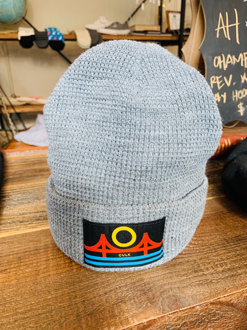 MINIMAL BRIDGE BEANIE - grey