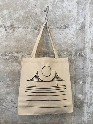 MINIMAL BRIDGE SF TOTE