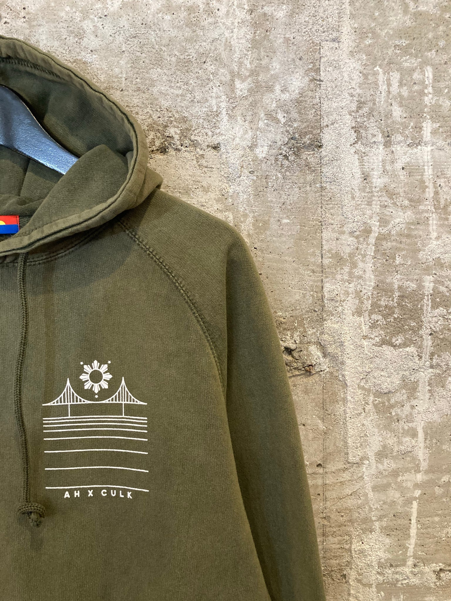 FILIPINX BRIDGE HOODIE - Vintage Army