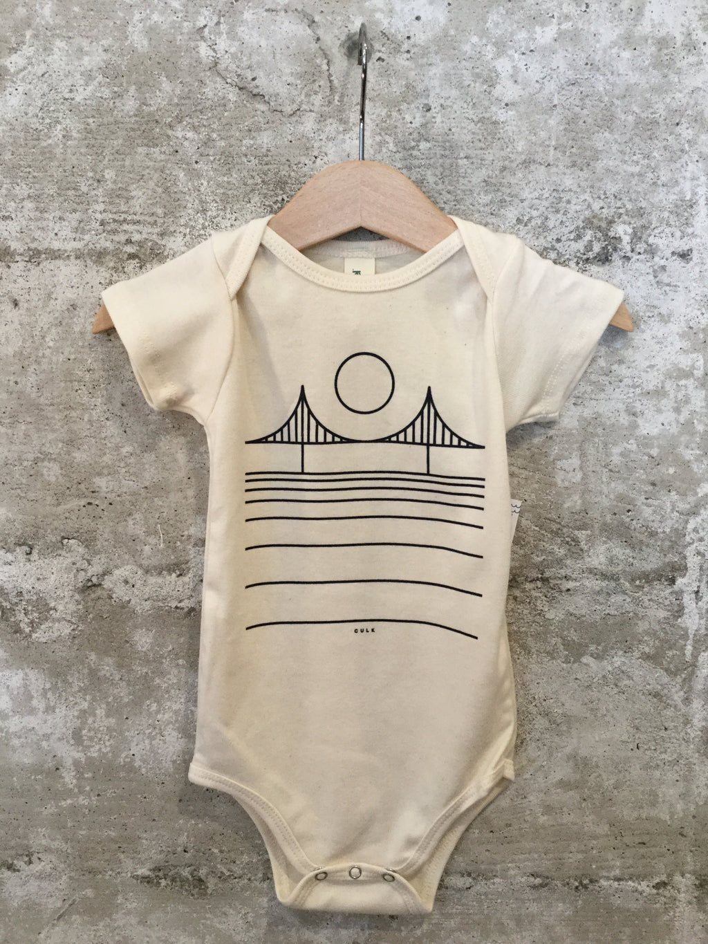 SF MINIMAL BRIDGE ONESIE