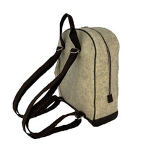 Charger the image dans la galerie, Path Cream Backpack