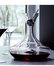 Load image into Gallery viewer, 2L European Creative Decanter Crystal Glass Fast Red Wine Decanter Set Wine with Wine Separator for Bar Party Dinner Wedding