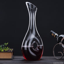 Load image into Gallery viewer, Snail Shaped Wine Decanter (1.0 Liter)