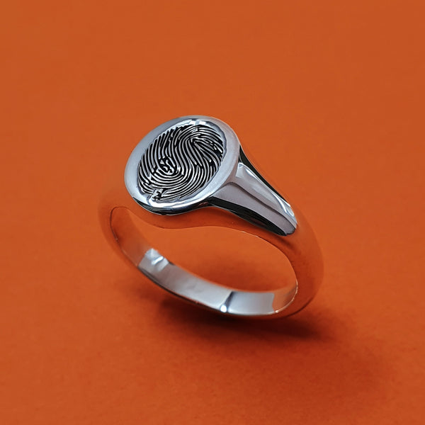 Memento Silver Personalised Fingerprint Oval Signet Ring Jewellery