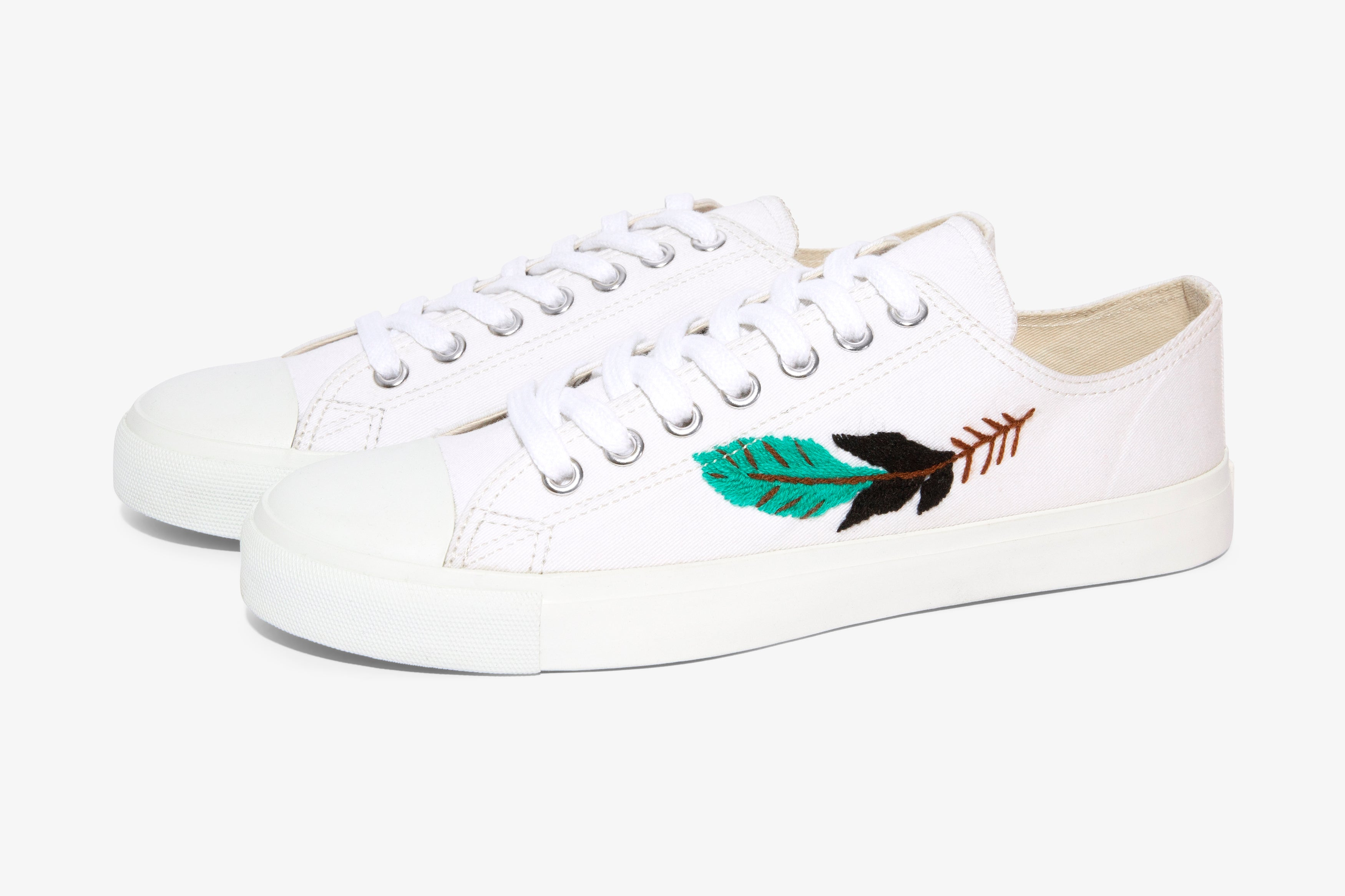 White Feather Low cut sneaker