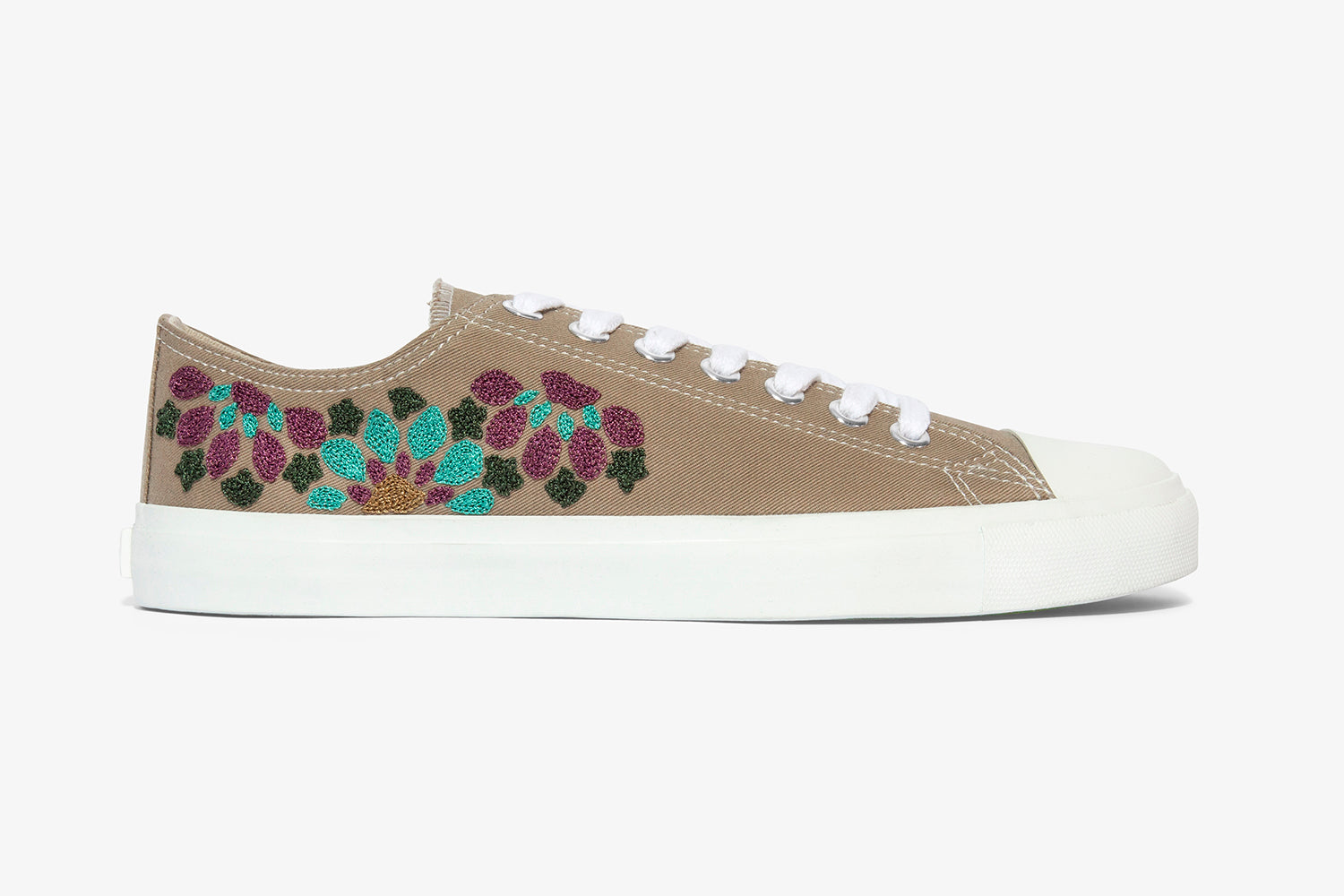 Vegan shoes unisex low top with hand embroidery