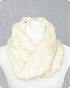 Infinity Scarf Cuddle Kit Hide Natural