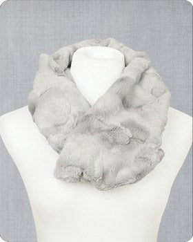 Infinity Scarf Cuddle Kit Hide Silver