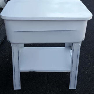 White Freestanding Tub