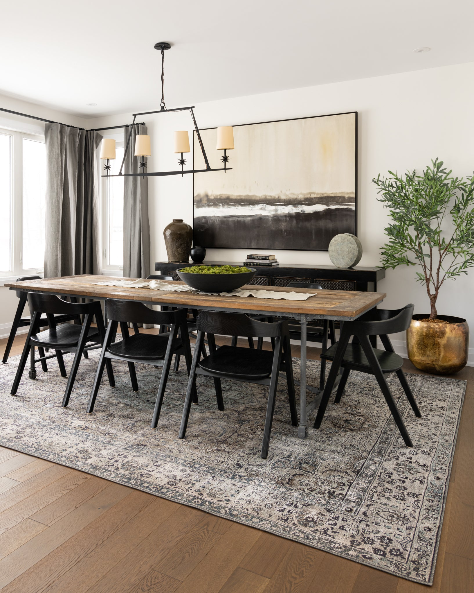 Dining-room-with-large-industrial-table.