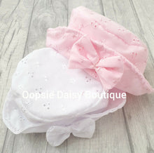 Load image into Gallery viewer, Girls Sun Hat  (0-12M) - Oopsie Daisy Baby Boutique