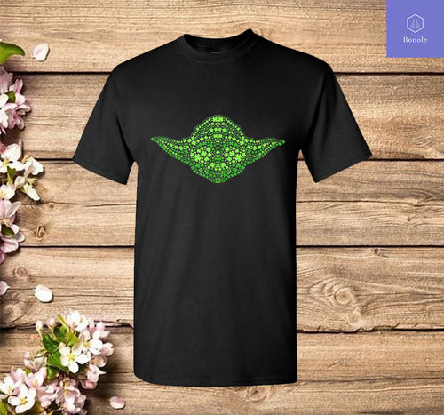 Baby Yoda Clover Face St Patrick's Day Graphic T-Shirt