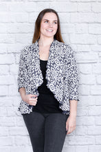 Load image into Gallery viewer, Cropped Flouncing Brocade Cardigan
