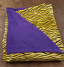 Load image into Gallery viewer, Tiger Blankets 60x80 inches