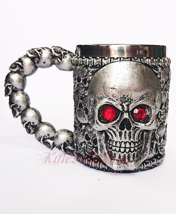 Gothic Gifts Resin Skull Mug - Red Eyed Skull
