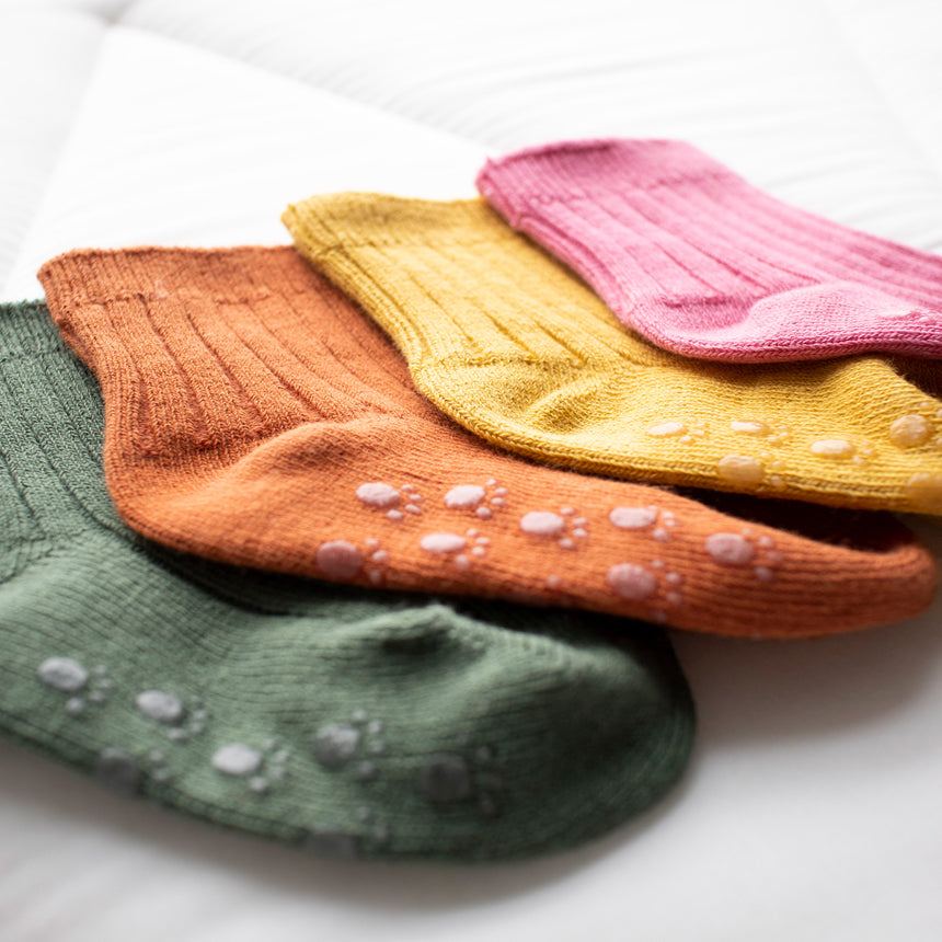 Pack of 4 Vintage Colour Socks