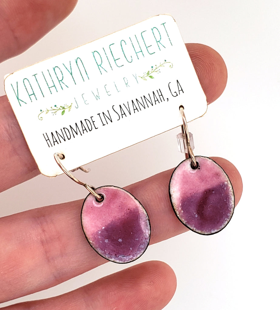 oval glass earrings made of glass