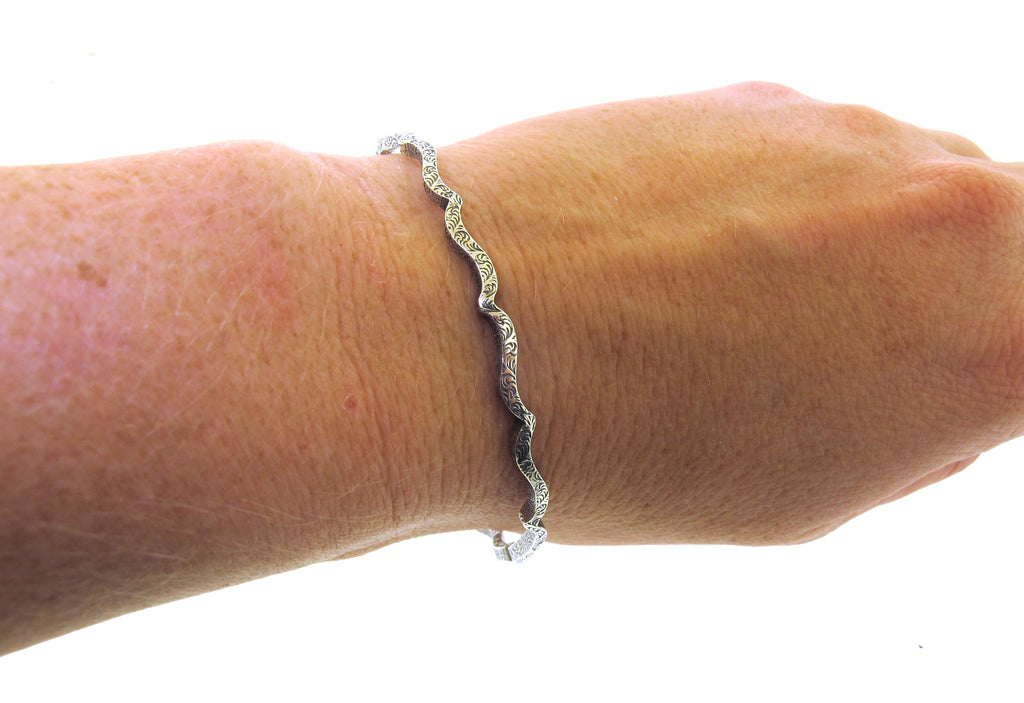 patterned wire silver bangle
