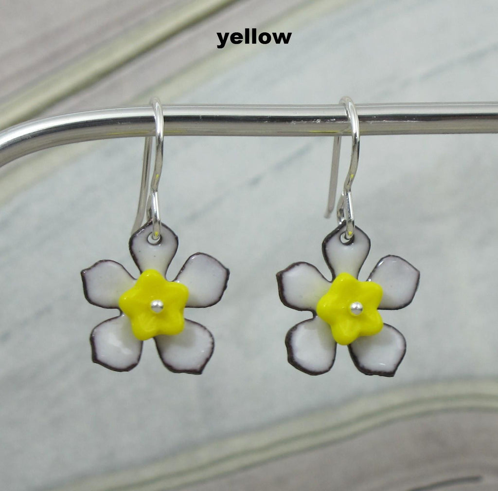 yellow daisy flower earrings