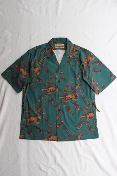 "FREEWHEELERS / ""ADVENTURE COLLECTION"" SHORT SLEEVE OPEN-NECK SHIRT (#2023015,ANCIENT MONSTERS PRINT DEEP TEAL GREEN)"