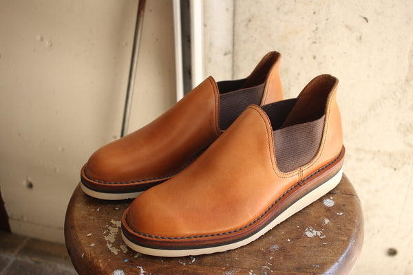 Makers / HORSE SIDE GOA (H-2,RUSSET)