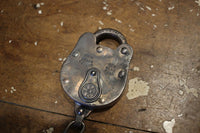 "BO'S GLAD RAGS / ""NEW YORK CENTRAL R.R."" RAILROAD PADLOCK & KEY HOOK (A19-11KSV,STERLING SILVER)"