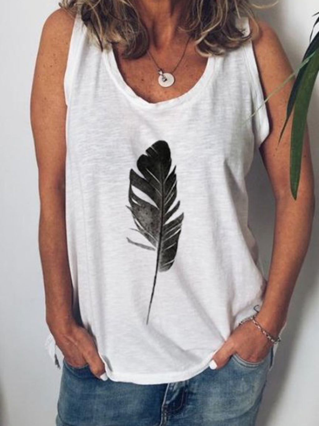 Plus Size Women Sleeveless V Neck Vintage Feather Pattern Casual Tops