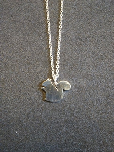 Chereda Squirrel stainless steel silhouette necklace pendant