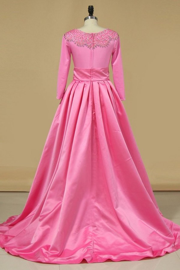 2020 Scoop Prom Dresses 3/4 Length Sleeves Satin P61FY61F