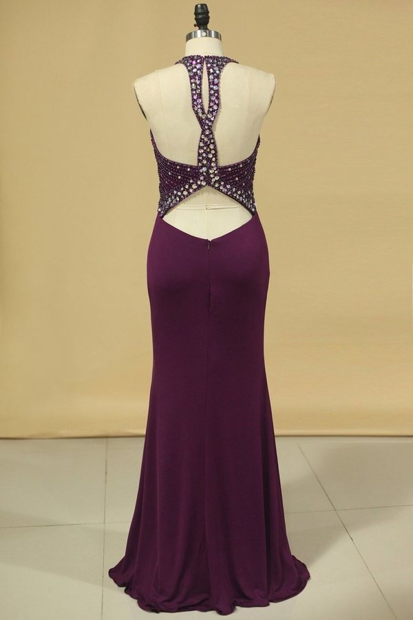 2020 Scoop Open Back Beaded Bodice Dark Royal Blue Prom Dresses Sheath PAA9FJZX